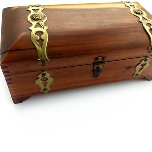 CEDAR Wood Vintage Jewelry Trinket Box